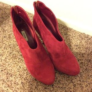 Guess Red Suede Bootie Sz 9